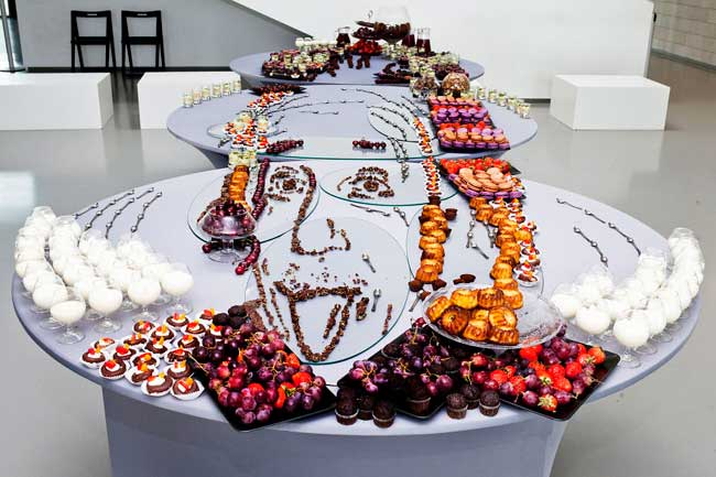 , Portraits en Anamorphose Faits de Fruits, Légumes et Pâtisseries (video)