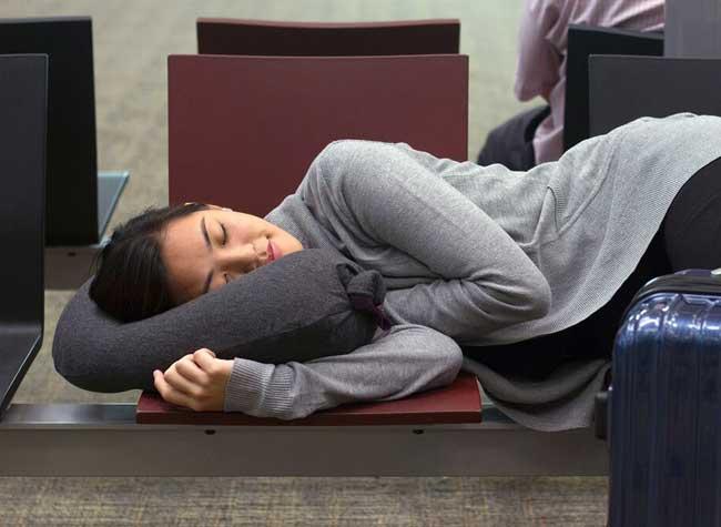 , Astucieux Coussin Gonflable pour Dormir Partout (video)