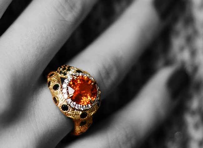 cheetos bijoux eye cheetah jewelry luxe chestora 3 - Quand la Marque de Chips Cheetos Propose des Bijoux à 20000 $