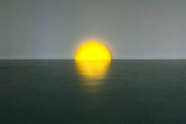 , Ce Poétique Coucher de Soleil est une Lampe d'Ambiance