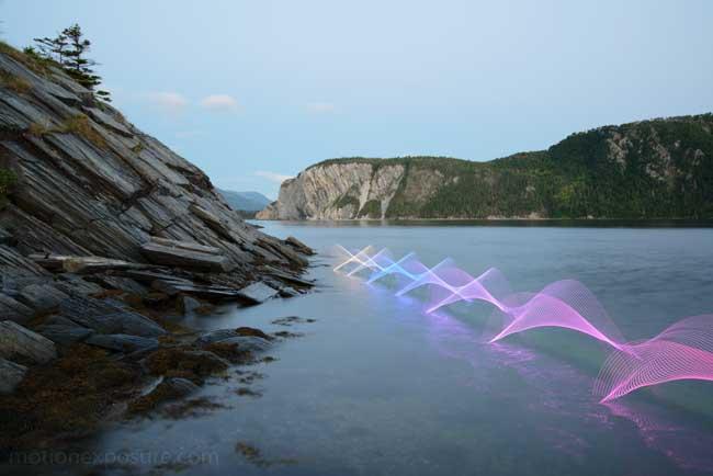 , Echappée Artistique en Canoë dans un Lightpainting en Mouvement