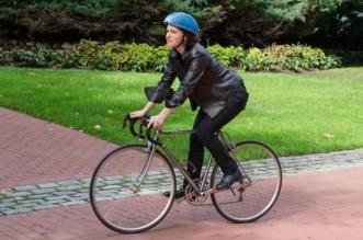 ecohelmet casque velo carton pliable isis shiffer 1 331x219 - EcoHelmet, le Casque à Vélo en Carton qui Cartonne (video)