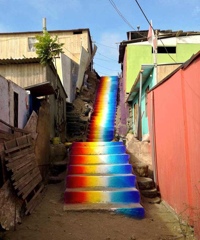, A Lima les Escaliers Prennent les Couleurs de l'Arc-en-ciel
