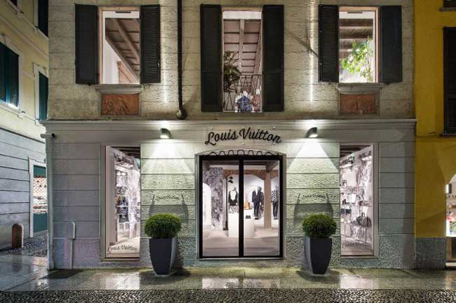louis vuitton homme milan boutique ephemere 1 - Les Chapman Décorent le Pop-Up Store Louis Vuitton Homme de Milan
