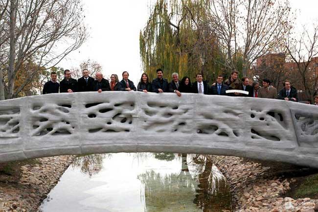 pont pietons impression 3d espagne iaac 2 - Le Premier Pont au Monde Imprimé en 3D est en Espagne (video)