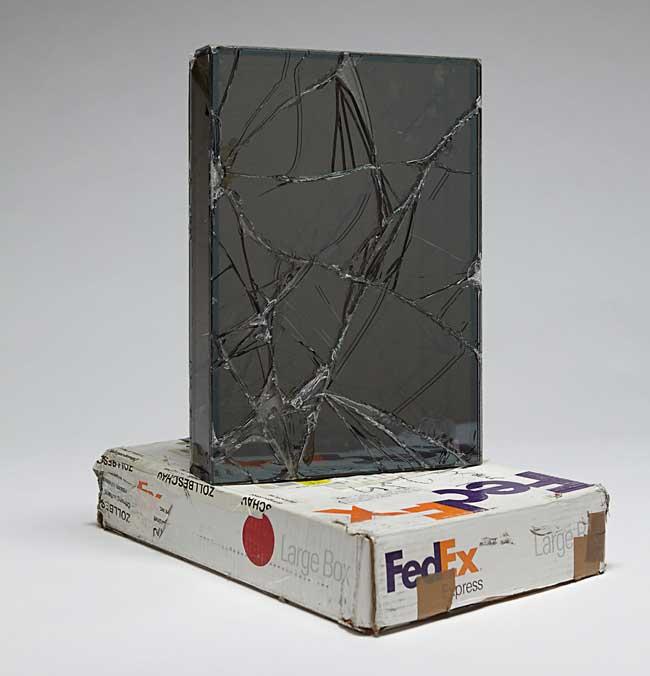 walead beshty fedex colis verre art sculpture 5 - Cet Artiste se Fait Envoyer des Colis en Verre par FedEx