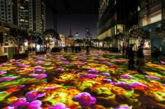 miguel chevalier installation art chine hong kong fleurs 3 331x219 - Jardins Virtuels en Fleurs de Lumière pour une Installation d'Art (video)