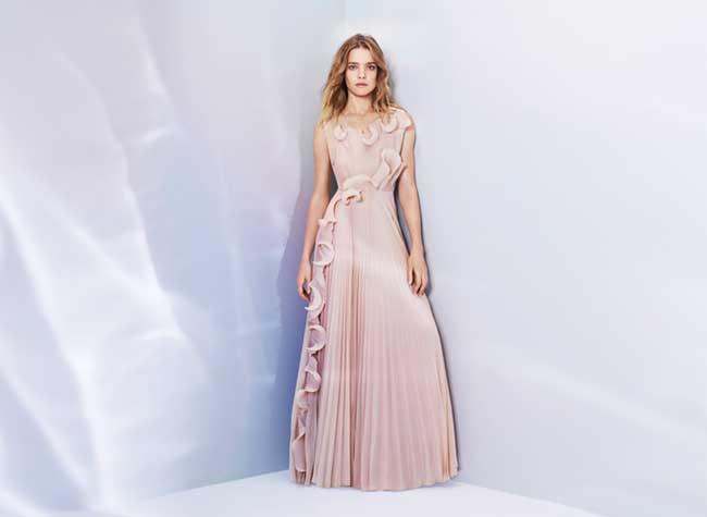 , Natalia Vodianova Romantique pour H&M Conscious Exclusive 2017 (Video)