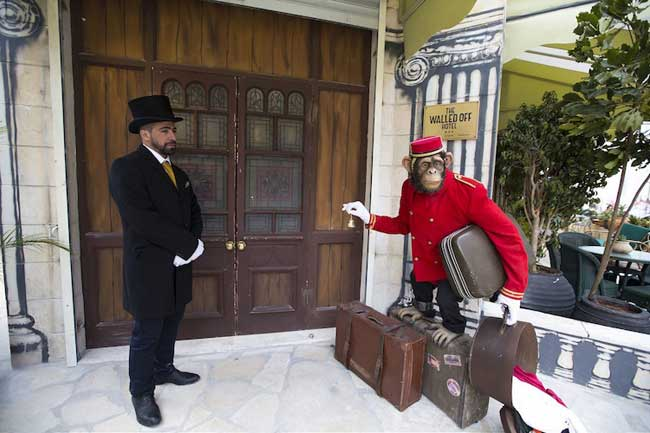 banksy hotel bethleem, A Bethléem Banksy Ouvre un Hôtel avec Vue Imprenable sur le Mur
