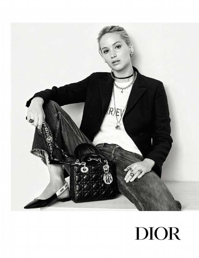 dior sacs jennifer lawrence, Jennifer Lawrence en Féministe pour Dior Sacs Hiver 2017