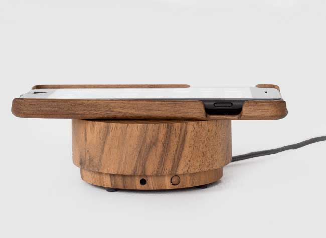 galet chargeur iphone, Ce Chargeur Galet en Bois Possède un Système Audio Haut de Gamme