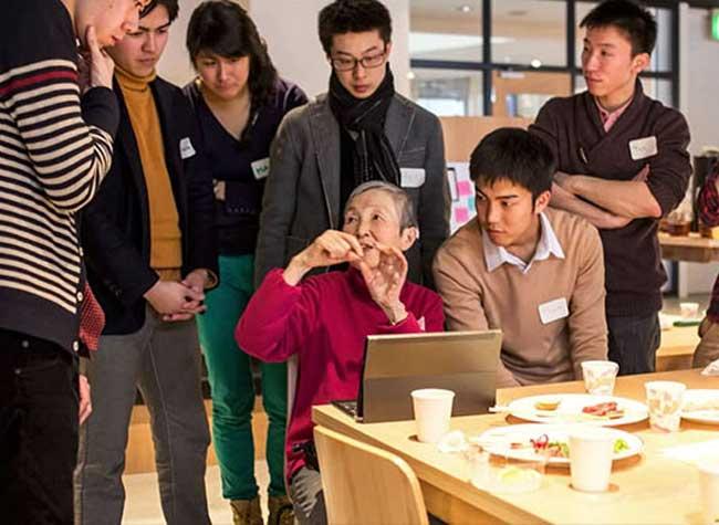 masako wakamiya 81 ans jeu programmeur 1 - A 81 ans cette Mamie Geek Programme son Application Mobile (video)