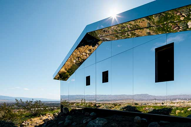 mirage maison miroirs installation art, Cette Maison Miroir est une Installation d'Art dans le Désert de Californie