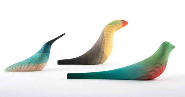 oiseaux, Minimalistes Sculptures d'Oiseaux en Bois Trempées dans l'Aquarelle