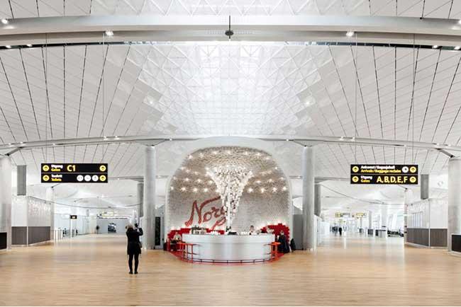 , Des Bocaux en Verre pour Redécorer le Café de l'Aéroport d'Oslo