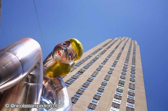 jeff koons ballerine sculpture ballon 3 - Jeff Koons Installe la plus Gonflée des Danseuses de Ballet de NYC