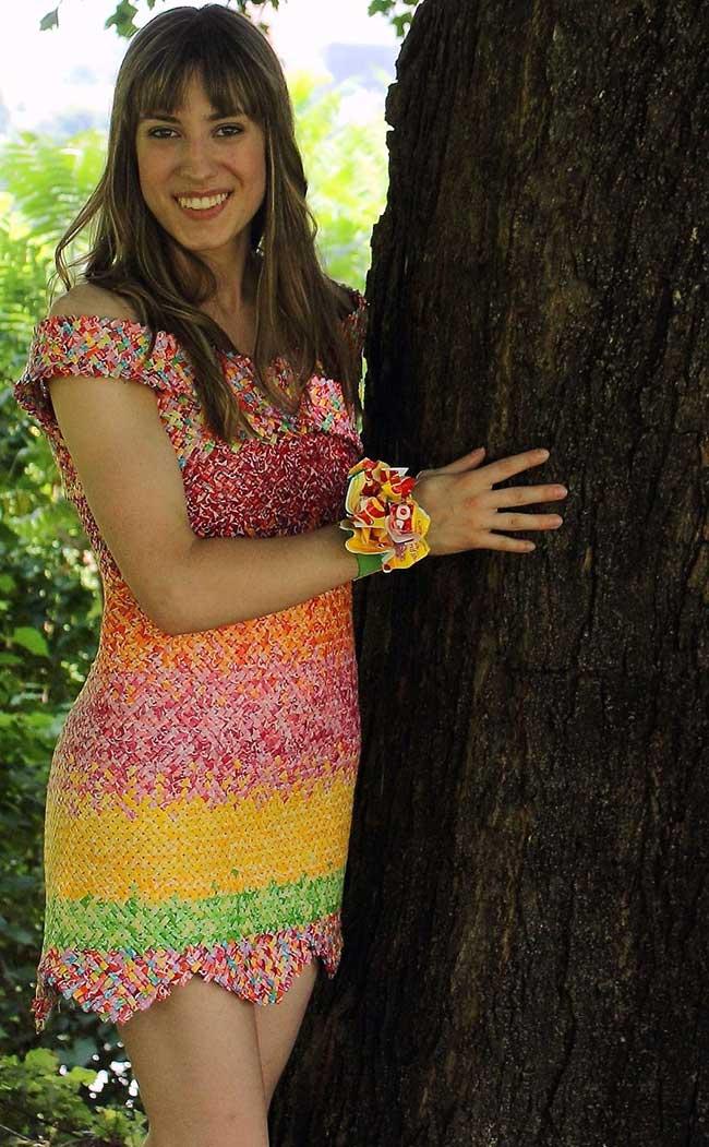 robe bonbons emballage recycle papier 3 - 10000 Emballages de Bonbons pour cette Elegante Robe