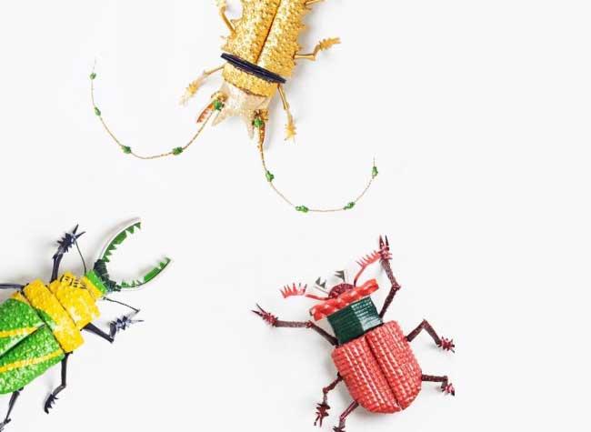 , Il Transforme les Capsules de Café en Insectes Rampants