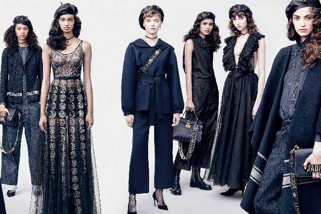 dior femme automne hiver 2017 bleu marine, Des Bérets Bleus chez Dior Femmes l'Hiver Prochain