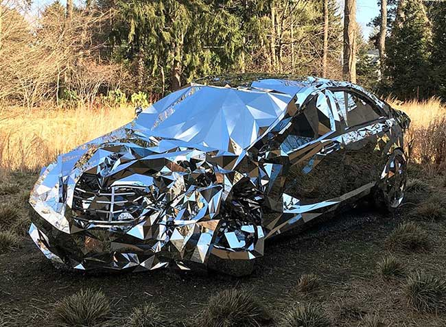 Mercedes S550 Accidentée Art, Mercedes S550 Accidentée Transformée en Sculpture d'Art