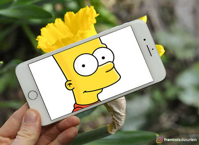 simpsons francois dourlen iphone superposition photos 1 - Il voit des Simpsons Partout à Travers l'Ecran de son Smartphone