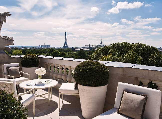 hotel crillon reouverture paris 10 - Le Luxueux Hôtel de Crillon Rouvre ses Portes aux Touristes