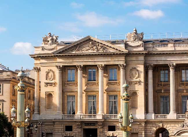 hotel crillon reouverture paris 2 - Le Luxueux Hôtel de Crillon Rouvre ses Portes aux Touristes