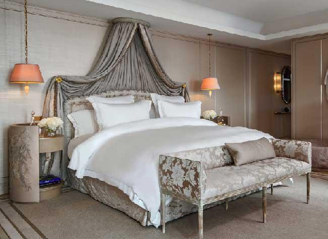 hotel crillon reouverture paris 5 - Le Luxueux Hôtel de Crillon Rouvre ses Portes aux Touristes