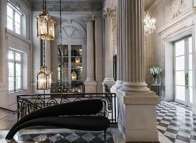 hotel crillon reouverture paris 8 - Le Luxueux Hôtel de Crillon Rouvre ses Portes aux Touristes