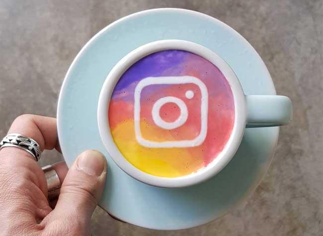 kangbin lee latte art tasses cafe oeuvres 22 - Il Peint dans du Café des Répliques de Toiles de Maîtres (video)
