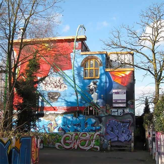 Paul de Graaf Street Art, Il Gratte 30 Ans de Graffitis et Met à Jour une Oeuvre d'Art