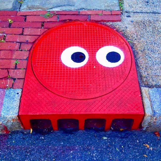 tom bob street art detournement 10 - Ces Détournements d'Objets Urbains Amusent les New-Yorkais