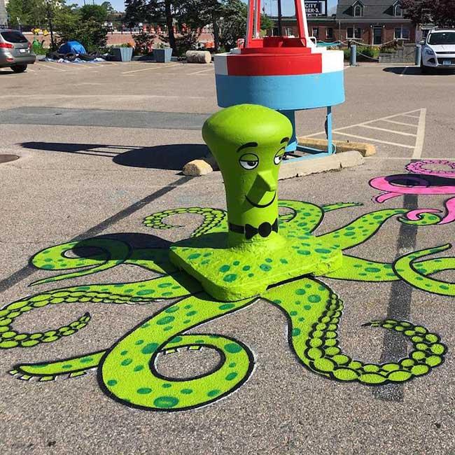 tom bob street art, Ces Détournements d'Objets Urbains Amusent les New-Yorkais