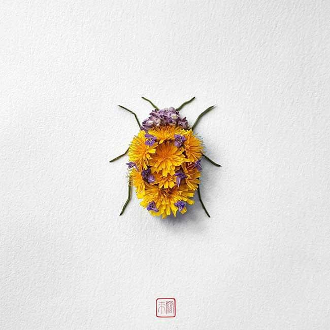 Compositions Florales Insectes, Il Réalise des Compositions Florales en Forme d'Insectes