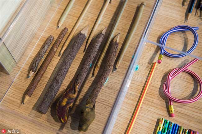 crayons couleurs collectionneur 5 - Passionnée de Crayons Elle Expose sa Collection Colorée au Monde