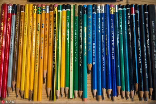 crayons couleurs collectionneur 6 - Passionnée de Crayons Elle Expose sa Collection Colorée au Monde