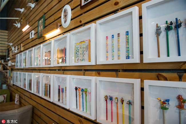 crayons couleurs collectionneur 7 - Passionnée de Crayons Elle Expose sa Collection Colorée au Monde