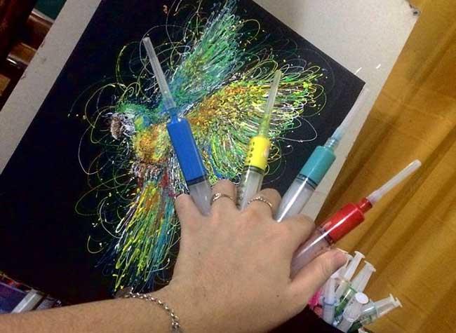 Peinture Seringues Art Infirmiere, Une Infirmière Utilise ses Seringues pour Peindre des Portraits Réalistes