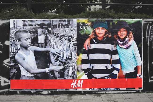 igor dobrowolski detournement pub zara hm street art 1 - Vraies Fausses Pubs Zara et H&M pour Dénoncer leurs Manques d'Ethique