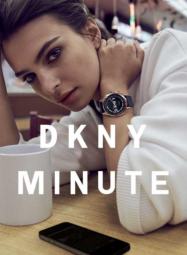 Emily Ratajkowski DKNY Minute montre, L'Actrice Emily Ratajkowski se Met à l'Heure de DKNY Minute