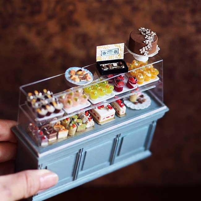 miniatures handmade art kiyomi chiisana shiawase, Cette Artiste Confectionne en Miniature Meubles Anciens et Accessoires
