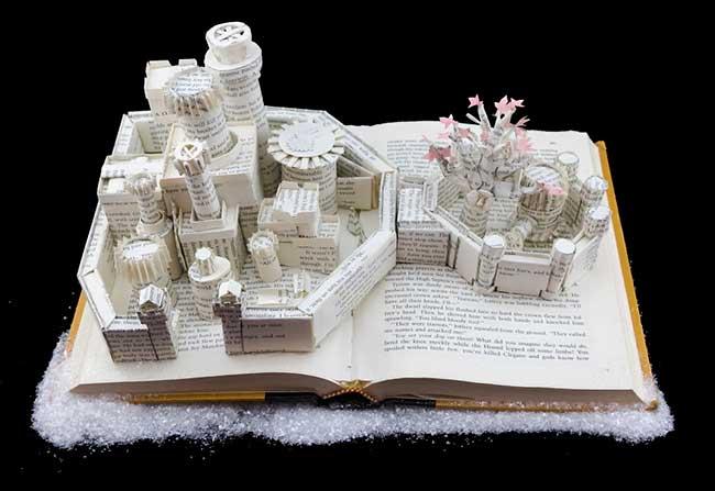 sculptures livres papier jamie hannigan, Sculptures en Papier de Game of Thrones Faites avec les Livres de la Saga