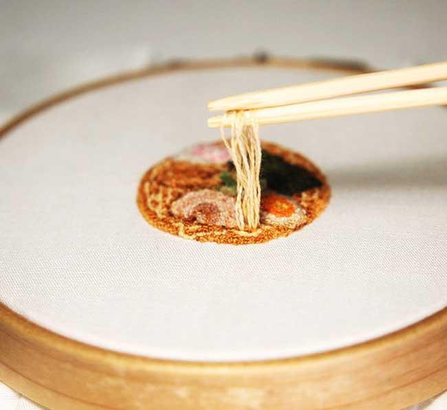 broderie miniature nourriture ipnot cuisine 1 - Elle Brode des Plats de Nourriture Miniatures des plus Réalistes