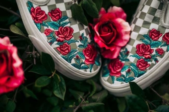 broderies roses rouges slipon vans