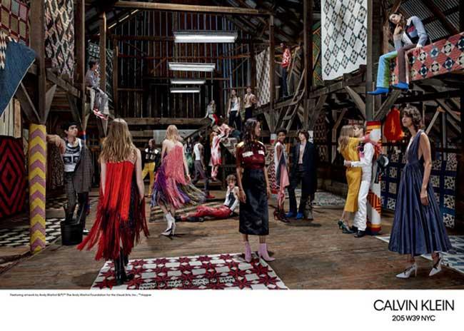 Clavin Klein Homme Femme Ete 2018, L'Homme et la Femme Calvin Klein Passent l'Ete à la Campagne