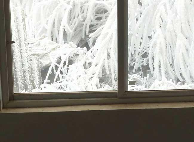 ice boy garcon gele ecole wang fuman chine 2 - A 8 ans il Marche 4,8 Km dans un Froid Glacial pour Arriver Gelé à l'Ecole (video)