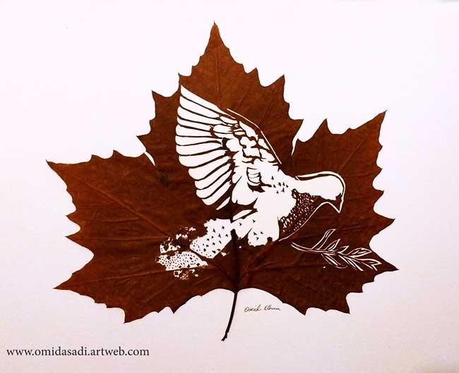 omid asadi leaf art feuilles sculptures, Sur des Feuilles Mortes Il Dessine de Délicates Scènes de Vie