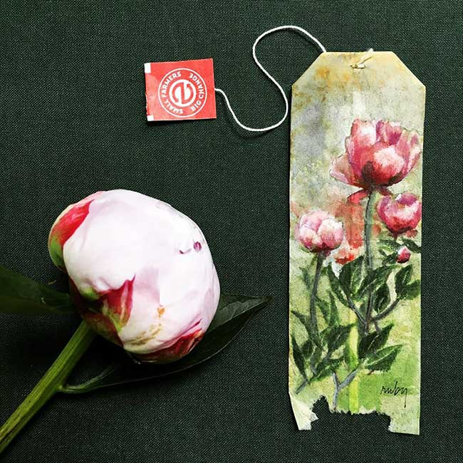 peintures miniatures sachet the ruby silvious 4 - Elle Illustre son Quotidien en Peintures Miniatures sur des Sachets de Thé Usagés