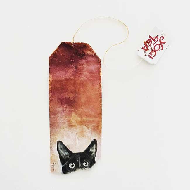 peintures miniatures sachet the ruby silvious 6 - Elle Illustre son Quotidien en Peintures Miniatures sur des Sachets de Thé Usagés
