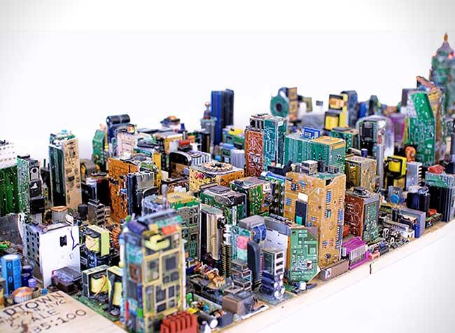 zayd menk-manhattan maquette pieces electronique recylce